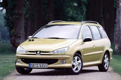 Peugeot 206 SW 2 Aussenansicht Front schräg statisch gelb