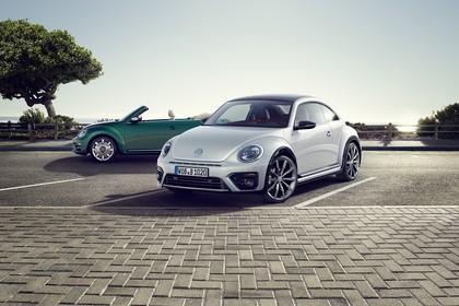 VW Beetle Aussenansicht Front schräg statisch weiss