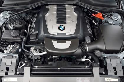BMW 6er Cabriolet E64 Aussenansicht statisch Detail Motor