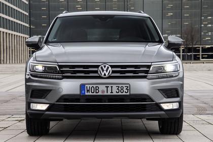 VW Tiguan 2 Aussenansicht Front statisch grau