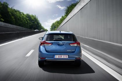 Toyota Auris Schrägheck E18 Aussenansicht Heck dynamisch blau