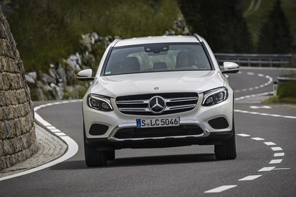 Mercedes GLX X253 Aussenansicht Front dynamisch weiss