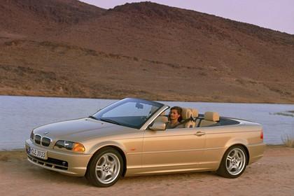 BMW 3er Cabriolet E46 Aussenansicht Seite schräg dynamisch gold
