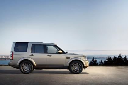 Land Rover Discovery 3/4 Aussenansicht Seite statisch silber