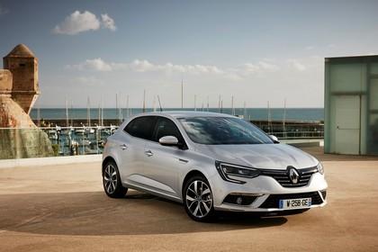 Renault Megane IV Aussenansicht Front schräg statisch silber