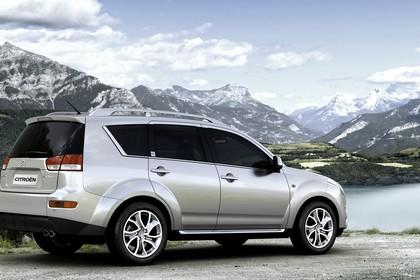 Citroën C-Crosser Aussenansicht Heck schräg statisch silber