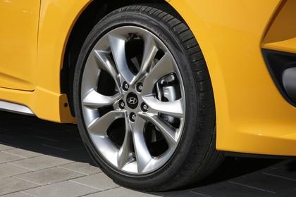 Hyundai Veloster FS Aussenansicht Detail statisch gelb Felge