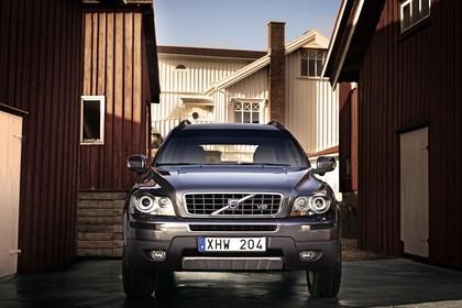 Volvo XC90 Aussenansicht Front statisch silber