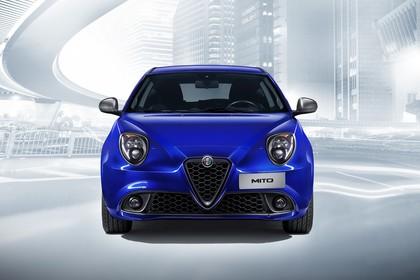 Alfa Romeo Mito 955 Aussenansicht Front statisch Studio blau
