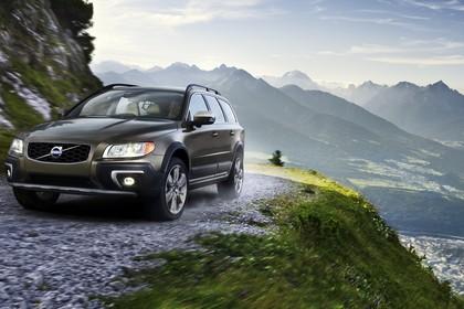 Volvo V70 Aussenansicht Front schräg dynamisch schwarz