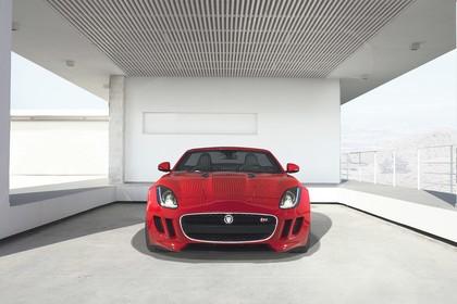 Jaguar F-Type V8 S Cabriolet QQ6 Aussenansicht Front statisch Studio rot