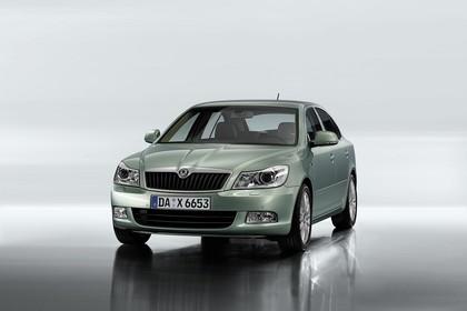 Skoda Ocavia 1Z Facelift Aussenansicht Front schräg Studio statisch hellgrün