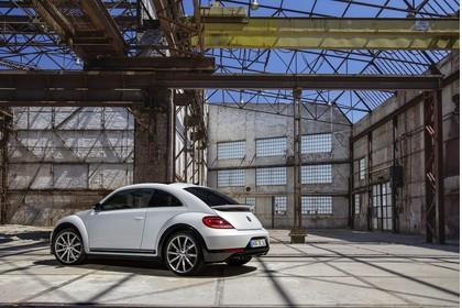 VW Beetle Aussenansicht Seite schräg statisch weiss