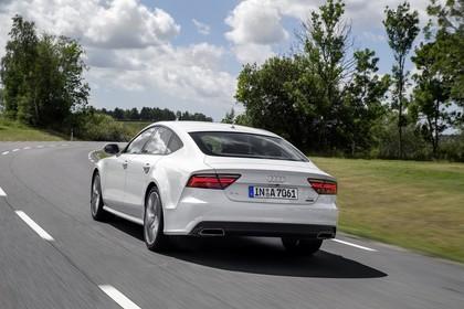 Audi A7 4G Aussenansicht Heck schräg dynamisch weiss