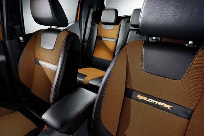 Ford Ranger 2AB Innenansicht statisch Studio Vordersitze und Rücksitze fahrerseitig