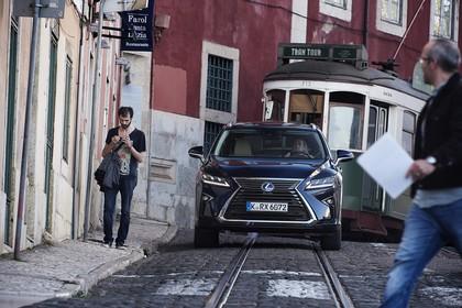 Lexus RX AL2 Aussenansicht Front dynamisch dunkelblau