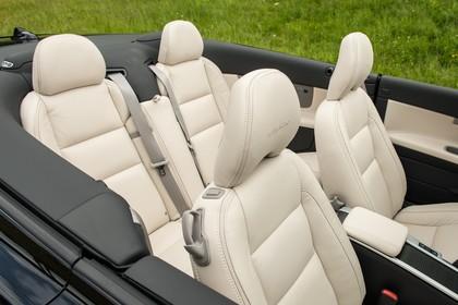 Volvo C70 Innenansicht Sitze statisch beige