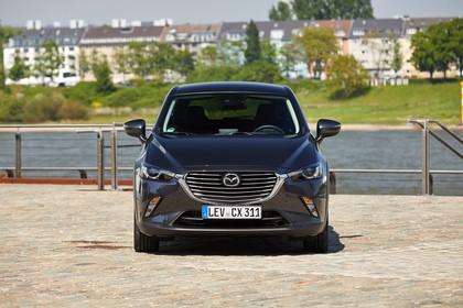 Mazda CX-3 DJ1 Aussenansicht Front statisch grau