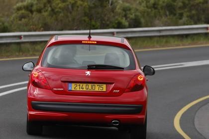 Peugeot 207 W Dreitürer Aussenansicht Heck schräg dynamisch rot