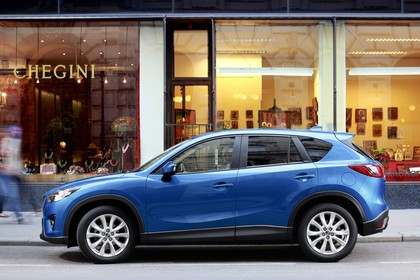 Mazda CX-5 KE Aussenansicht Seite statisch blau