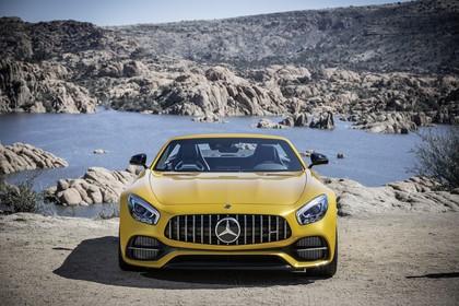 Mercedes-AMG GT C Roadster C190 Aussenansicht Front statisch gelb