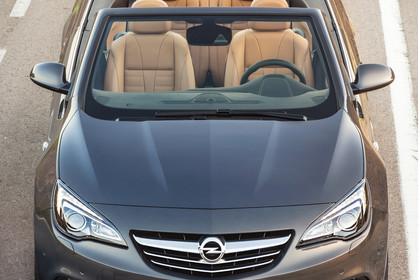 Opel Cascada Aussenansicht Front erhöht statisch grau