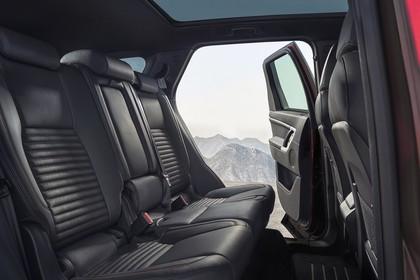 Land Rover Discovery Sport L550 Innenansicht Detail statisch schwarz Rücksitzbank