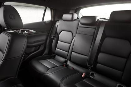 Infiniti Q30 Innenansicht statisch Studio Rücksitze