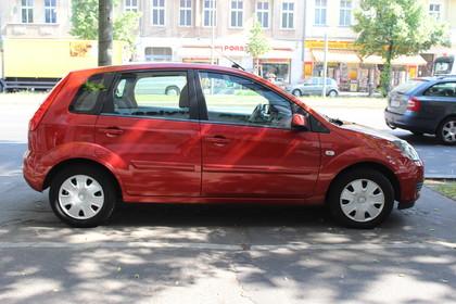 Ford Fiesta Aussenansicht Seite statisch rot