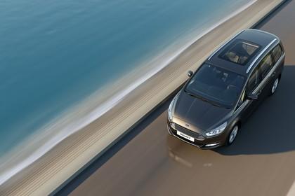 Ford Galaxy WA6 Aussenansicht Front schräg erhöht dynamisch grau