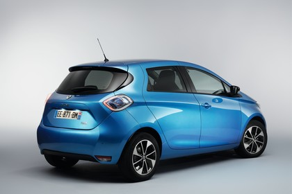 Renault ZOE Aussenansicht Heck schräg statisch Studio blau