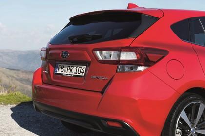 Subaru Impreza G4 Aussenansicht Heck schräg statisch rot
