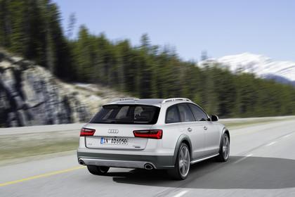Audi A6 C7 Allroad Aussenansicht Heck schräg dynamisch silber