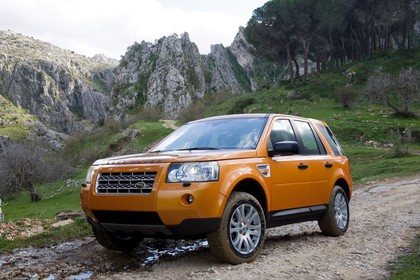 Land Rover Freelander 2 LF Aussenansicht Front schräg statisch orange