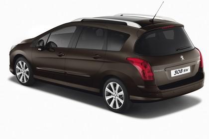 Peugeot 308 SW 4J Facelift Aussenansicht Heck schräg statisch Studio braun