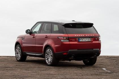 Land Rover Range Rover Sport LW Aussenansicht Heck schräg statisch rot