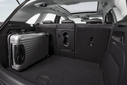 Opel Crossland X C Innenansicht statisch Studio Kofferraum