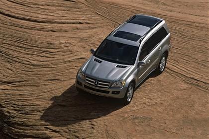 Mercedes Benz GL-Klasse Aussenansicht Draufsicht schräg statisch silber
