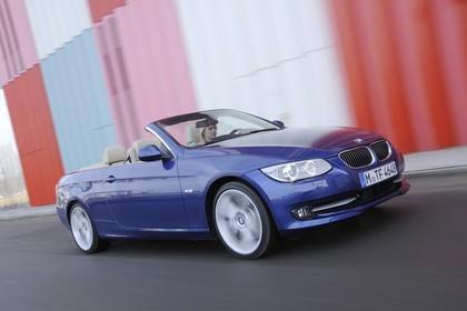 BMW 3er Cabriolet LCI Aussenansicht Seite schräg dynamisch blau