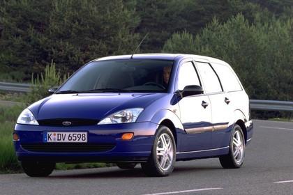 Ford Focus Turnier Mk1 Aussenansicht Heck schräg statisch blau
