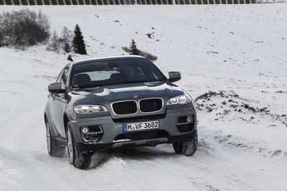 BMW X6 E71 LCI Aussenansicht Front schräg dynamisch grau