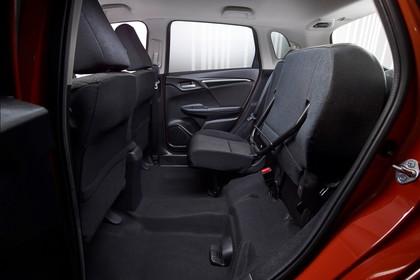 Honda Jazz GK Innenansicht statisch Studio Rücksitze 2/3 umgeklappt fahrerseitig