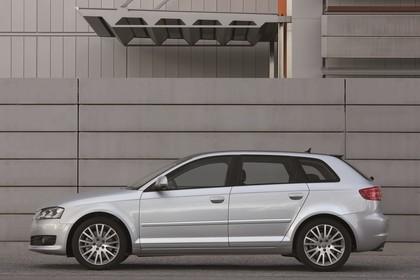Audi A3 Sportback 8PA Aussenansicht Seite statisch silber