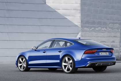 Audi S7 4G Aussenansicht Heck schräg statisch blau