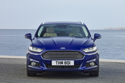 Ford Mondeo Turnier Mk5 Front statisch blau