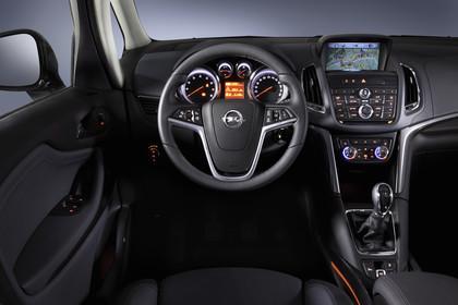 Opel Zafira C Tourer Innenansicht Fahrerposition Studio statisch schwarz
