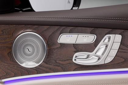 Mercedes W213 T-Model Innenansicht Detail Sitzverstellung statisch hellbraun