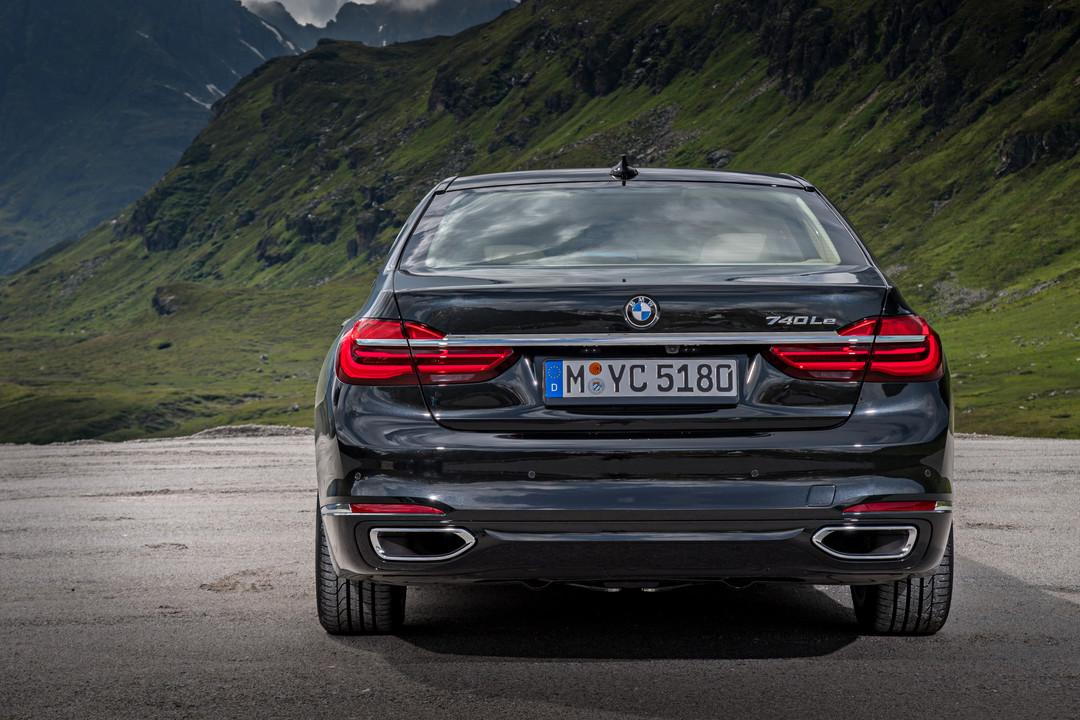 BMW 7er G11 G12 Aussenanansicht Heck Statisch Grau