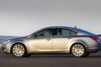 Opel Insignia A  Aussenansicht Seite dynamisch silber