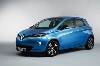 Renault ZOE Aussenansicht Front schräg statisch Studio blau